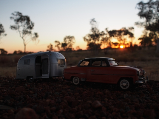 Nan and Pop stop to watch the sun set as they arrive at Halls Creek